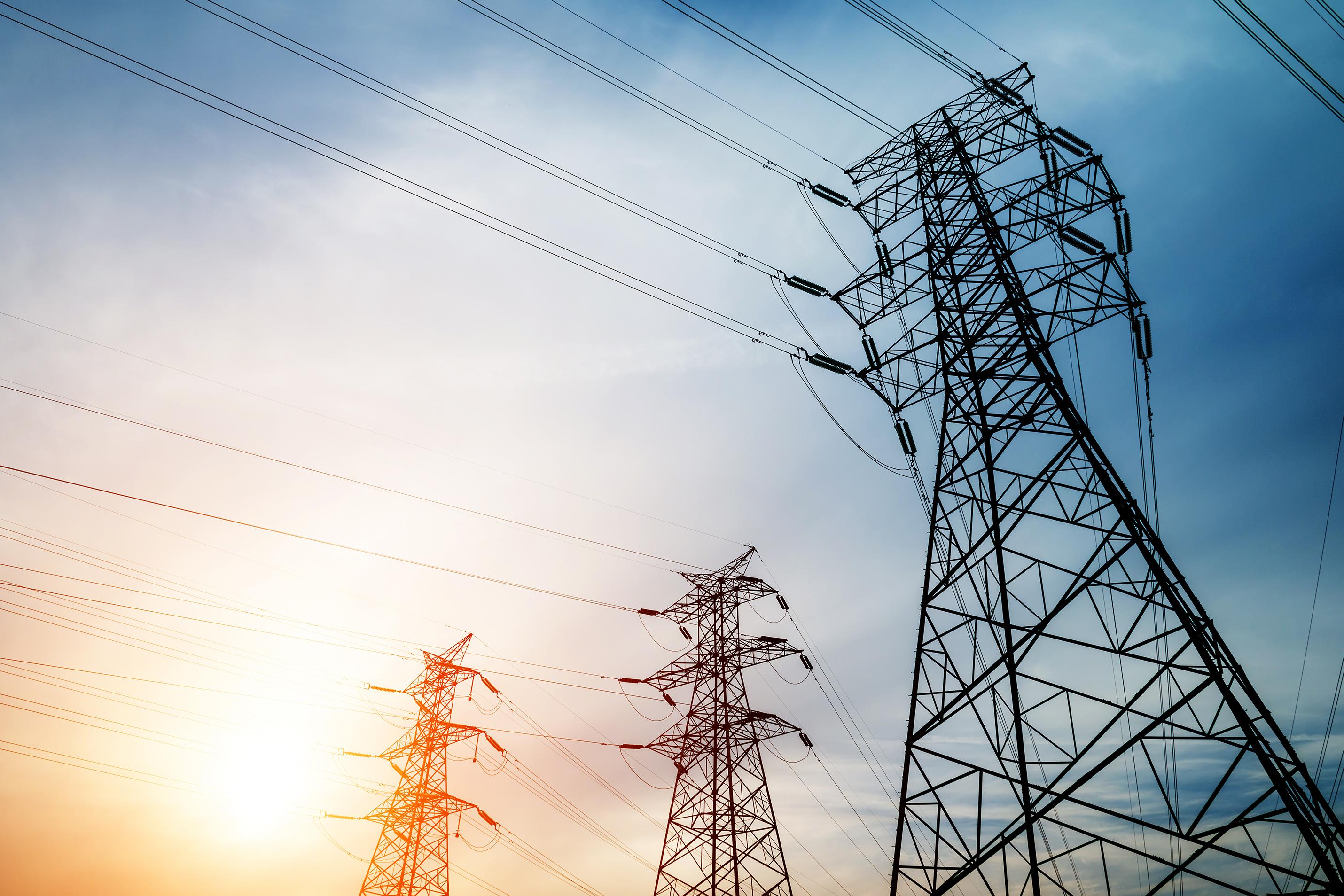 За 8 месяцев экспорт электроэнергии сократился на четверть