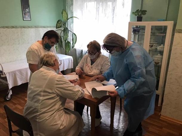 На Киевщине начали применять вакцину Pfizer