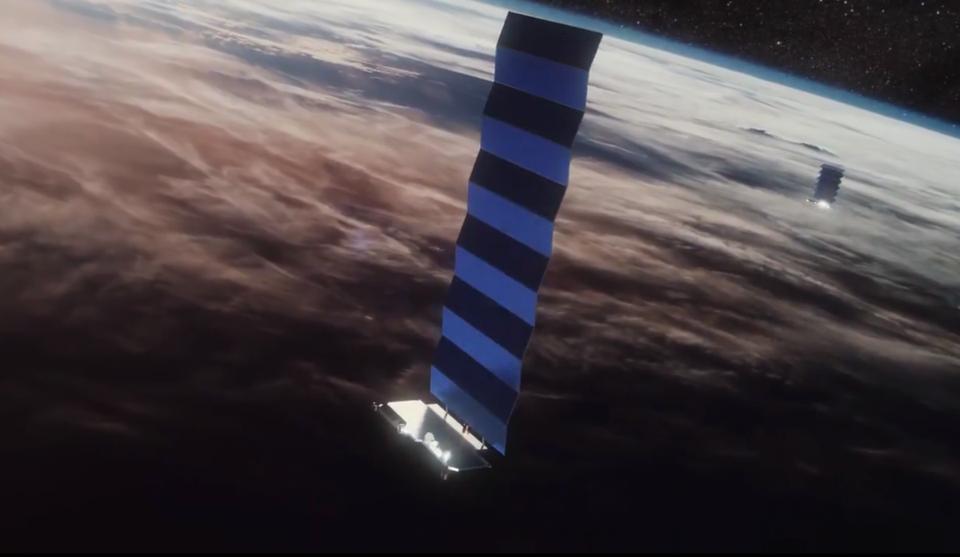 SpaceX потеряла контакт с тремя спутниками Starlink