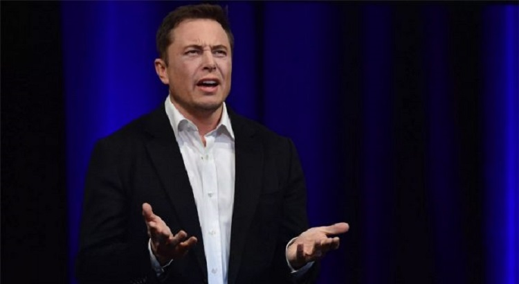 Илон Маск приостановил продажи электромобилей Tesla за биткоины