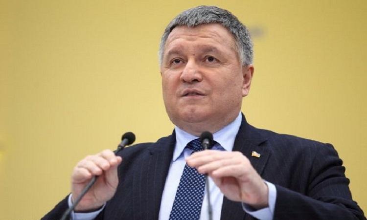 Аваков не исключает продление карантина до 15 мая