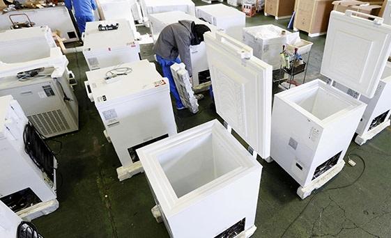В Японии из-за неисправности холодильника испортилось более тысячи доз вакцины Pfizer