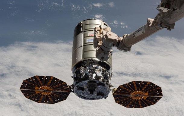 Ракета SpaceX стартовала на орбиту с новой группой спутников