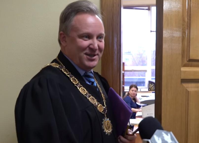Суддя 6-го апеляційного суду міста Києва Мельничук підробив своє рішення в угоду агрорейдерам?