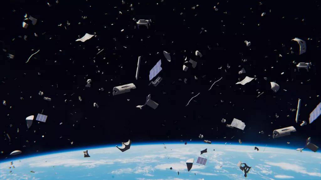 Как крошечные кусочки космического мусора причиняют невероятный урон (Фото)