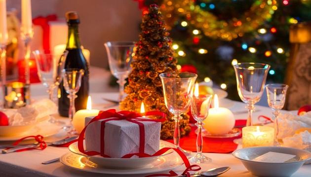 Кабмин разрешил ресторанам и кафе в новогоднюю ночь работать до утра