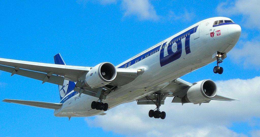 С июля LOT возобновляет полеты из Киева в Варшаву