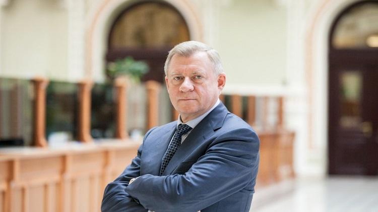 Глава НБУ подал в отставку
