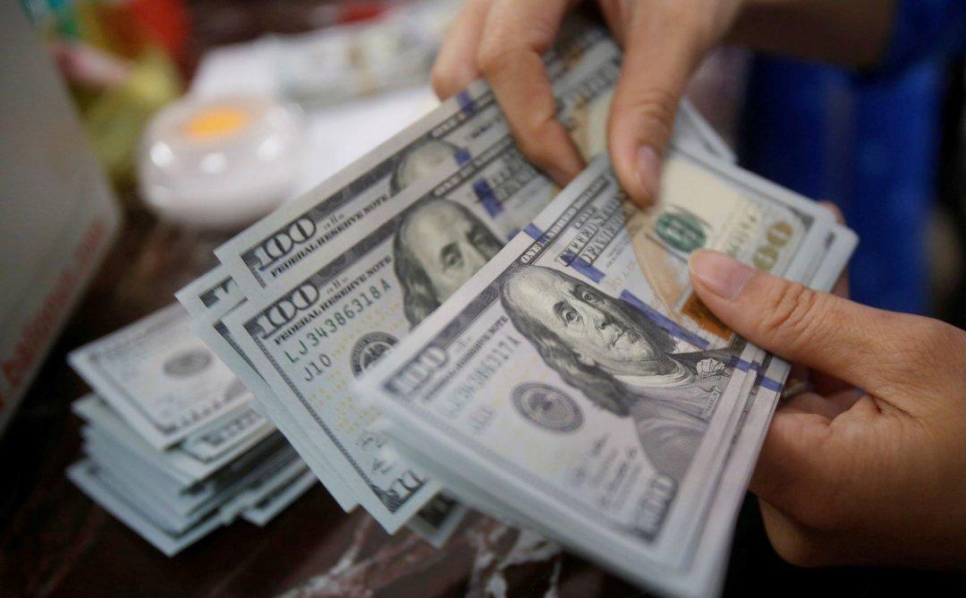 США лидируют по денежным переводам в Украину