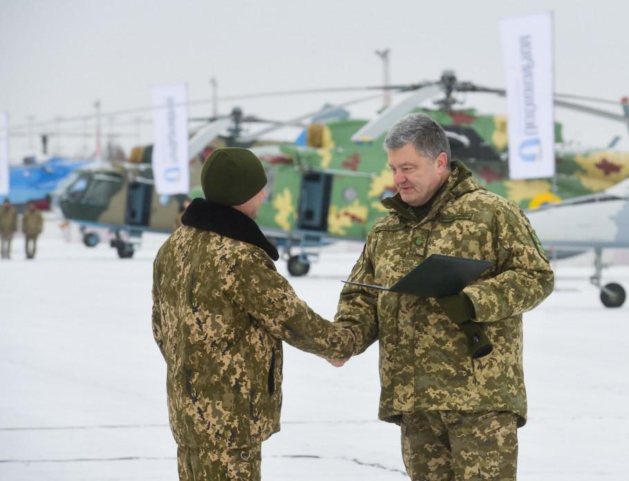 Порошенко заявил о важности языкового закона для Украины