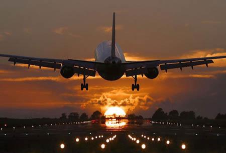 Украина прекратит авиасообщение с Беларусью