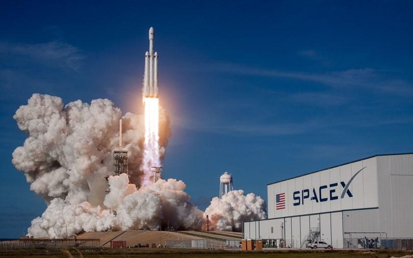 SpaceX перенесла запуск на орбиту очередной партии интернет-спутников