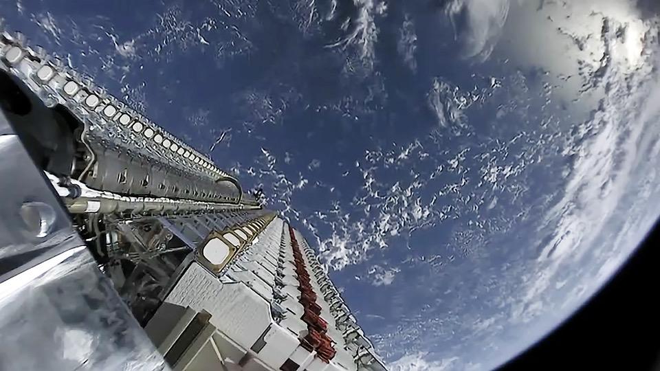 SpaceX готовится запустить на орбиту новую партию спутников Starlink