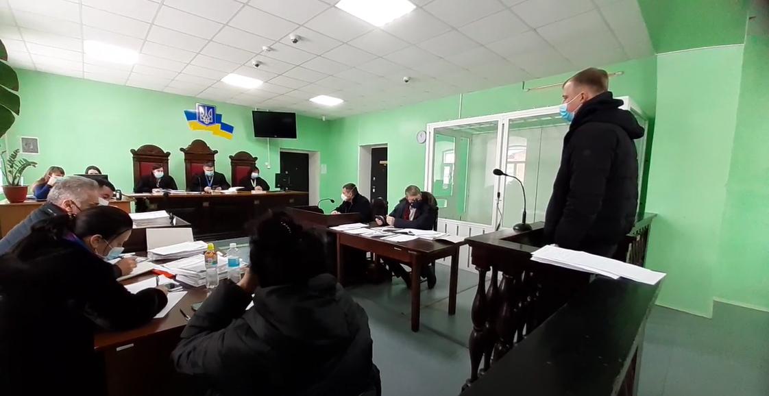Олег Авер'янов ймовірно ховає Porche Cayenne, у викрадені якого у екс-дружини підозрюють екс-депутата – свідчення у суді (ВІДЕО)