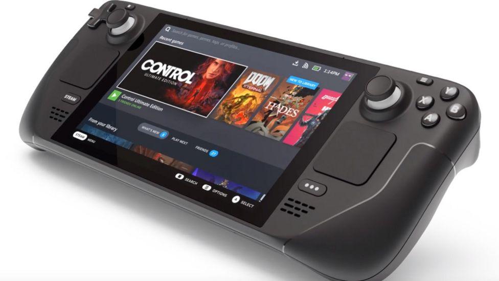 Компания Valve анонсировала выпуск новой категории игровых устройств – портативную консоль Steam Deck