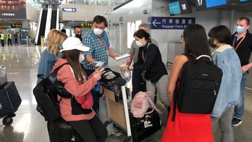 75 граждан Украины возвращаются домой из Китая