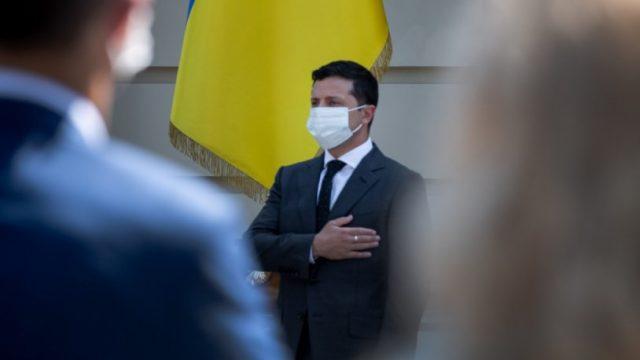 Зеленский продолжает лидировать в президентском рейтинге – опрос