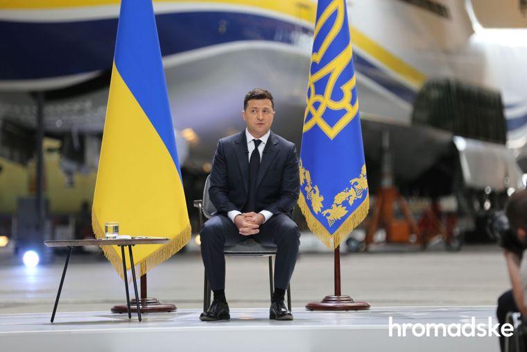 Зеленский лидирует в президентском рейтинге, - опрос