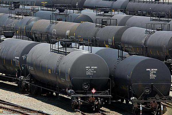 «Укртатнафта» попросила МЭРТ ввести ограничения на импорт нефтепродуктов