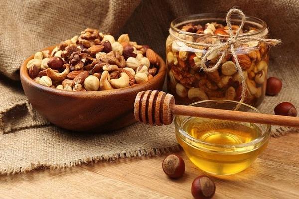 В Украине предприятия малого и среднего бизнеса создали орехово-медовый кластер