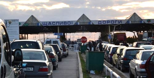 На границе с Польшей в очереди стоит около 840 автомобилей