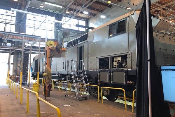 General Electric изготовила для УЗ первый локомотив