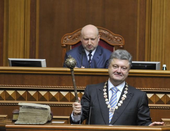 «Децентрализация» укрепляет президентскую «централь» власти