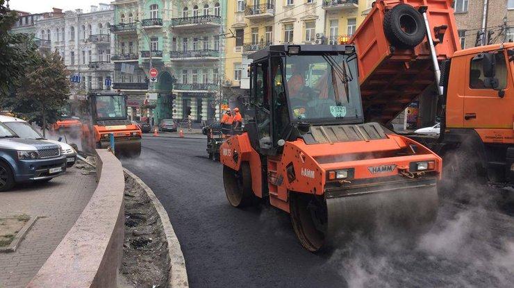 Киев дополнительно потратит на ремонт дорог 1,2 млрд грн